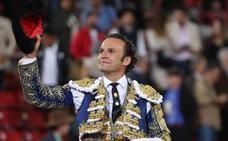 Antonio Ferrera indulta a un toro y vuelve a abrir la puerta grande de la México