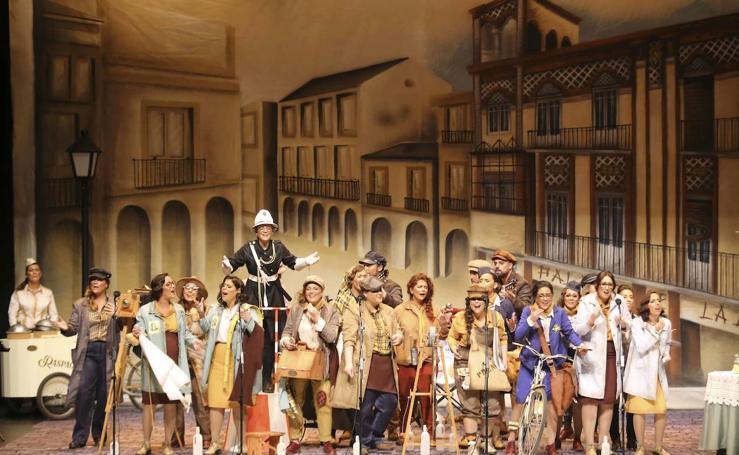 Fotos de la penúltima semifinal del concurso de agrupaciones del Carnaval Romano