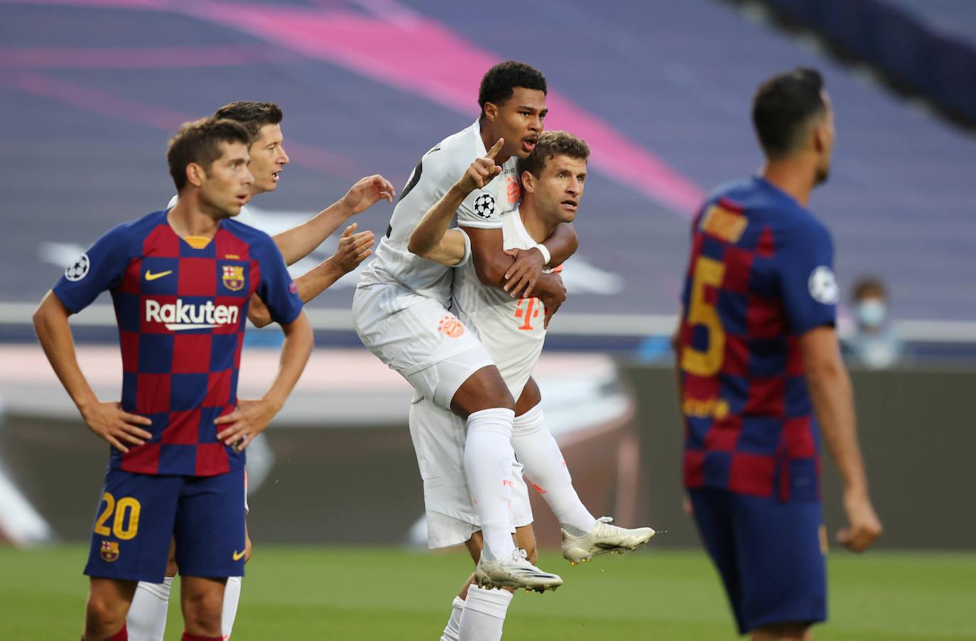 El Bayern Munich goleó 8-2 al Barcelona para avanzar a semifinales de la Champions League.