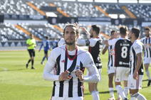 El Badajoz vence al Melilla por 2-0 en el Nuevo Vivero