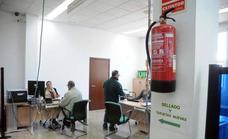 El paro baja en abril en 2.715 personas en Extremadura