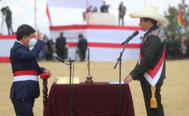 Pinili ni Castillo si Kongresista Guido Peledo bilang Punong Ministro ng Peru.  / EFE