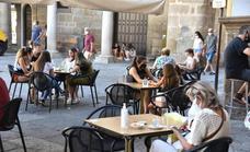 Extremadura estudia rebajar el nivel de alerta sanitaria el próximo martes
