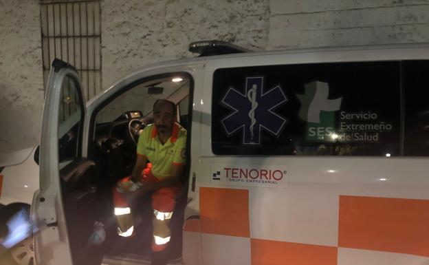 Los trabajadores han decidido realizar las guardias en las ambulancias hasta el 16 de octubre./HOY