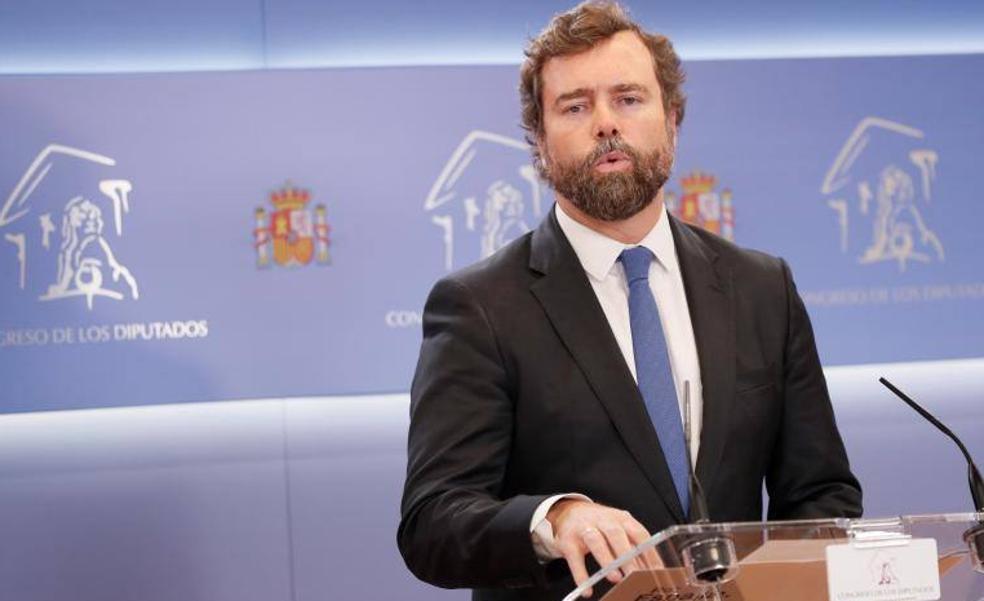 El portavoz de Vox, Iván Espinosa de los Monteros, comparece en el Congreso.