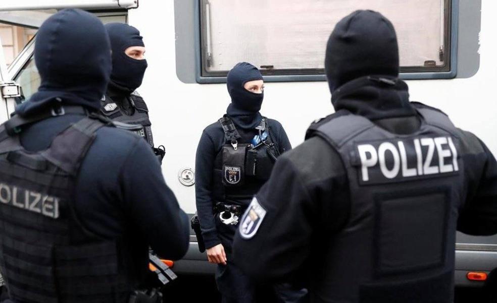 Agentes de la unidad especial de la policía alemana.