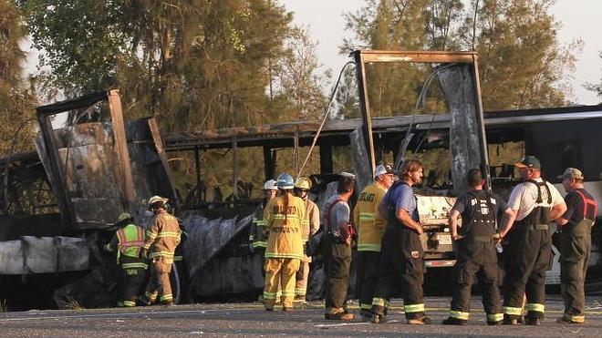 Nueve muertos en un choque entre un autobús escolar y un camión en EE UU