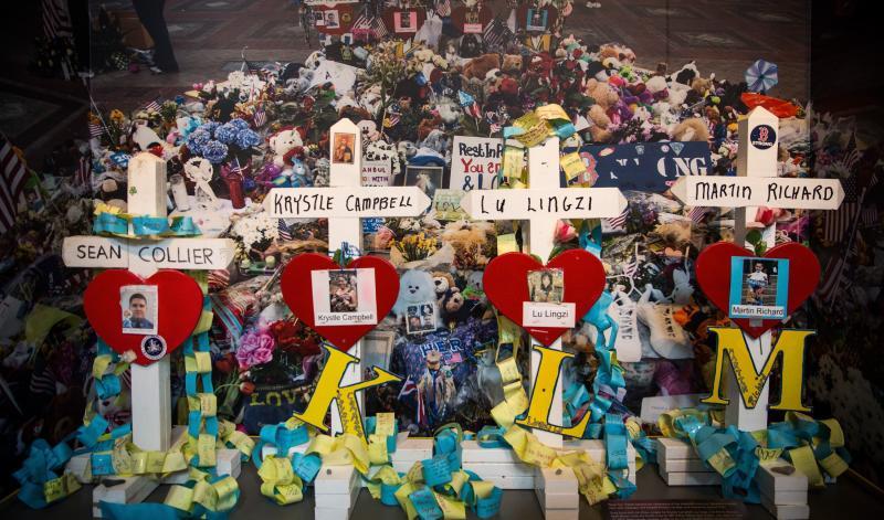 Boston rinde homenaje a las víctimas un año después de la tragedia