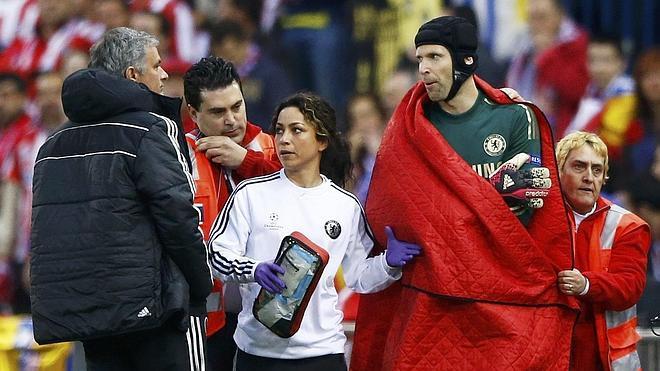 Cech se pierde lo que queda de temporada