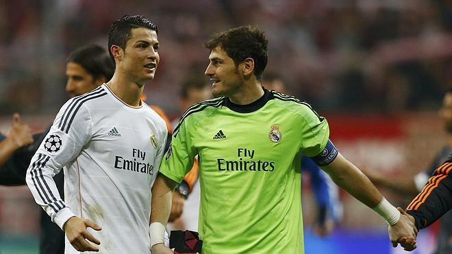 Casillas se da un homenaje