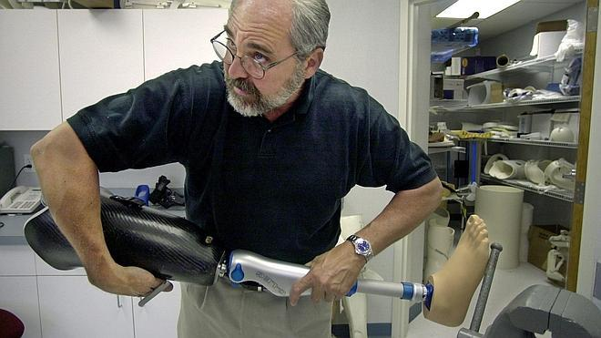 Un nuevo método que reduce el riesgo de infección de las prótesis de titanio