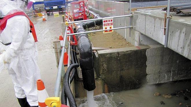 Autorizan a crear un muro de hielo subterráneo para contener las fugas de Fukushima