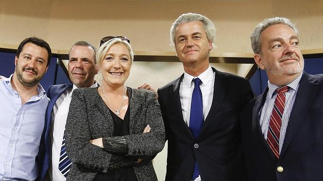 Le Pen y Wilders buscan apoyos para su frente anti-UE