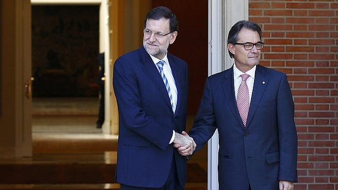 Rajoy y Mas discrepan sobre la consulta pero abren el diálogo