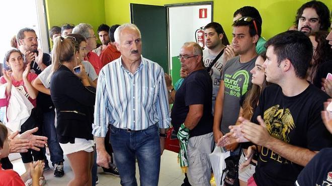 Los consejeros del Racing compran las acciones de Dumviro Ventures a un euro