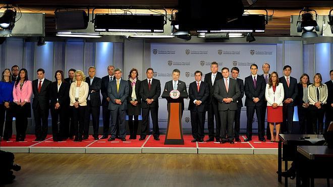 Santos presenta un Gobierno con pocas caras nuevas