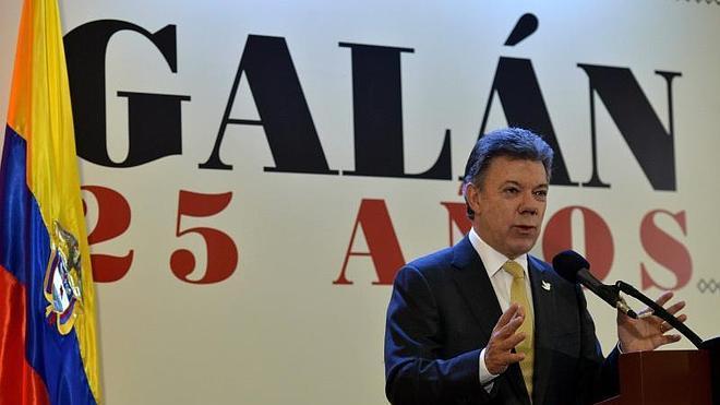 Santos anuncia que mandos militares negociarán el alto el fuego con las FARC
