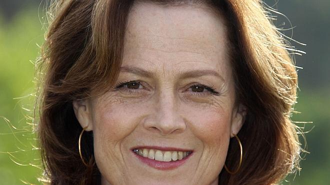 Bayona ficha a Sigourney Weaver