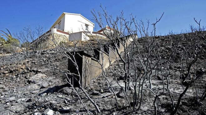 Estabilizado el incendio de Jávea tras calcinar 444 hectáreas