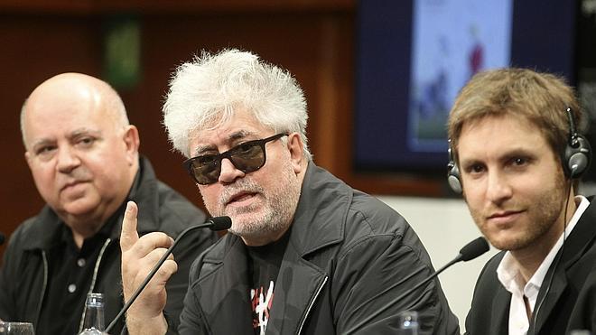 Almodóvar: «Las películas se están haciendo en un estado de absoluta precariedad»
