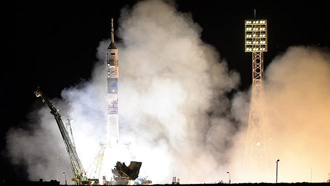 Rusia manda al espacio a una mujer por primera vez desde 1997