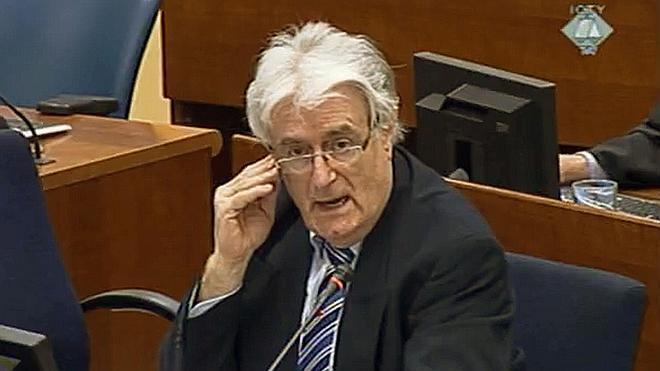El fiscal de La Haya pide cadena perpetua contra Karadzic