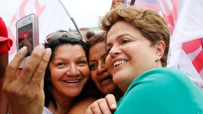 Los móviles y las tabletas, lejos de las urnas en Brasil