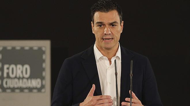 Sánchez exige responsabilidades a Rajoy por la gestión de Mato