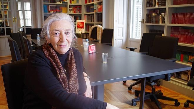 Clara Janés da voz a las «mujeres acalladas»