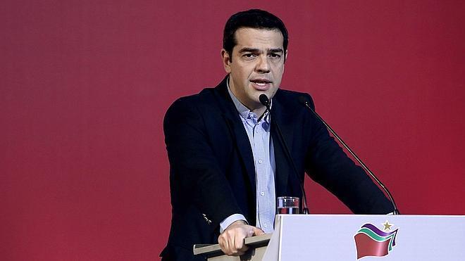 Tsipras acusa a España y Portugal de querer «derribar» su Gobierno