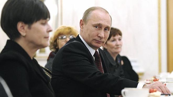 Putin asegura que sacó de Ucrania a Yanukovich porque iban a matarlo