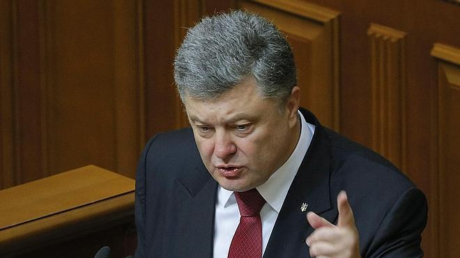 Poroshenko alerta del riesgo de una «invasión a gran escala» por parte de Rusia