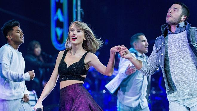 Taylor Swift hace recular a Apple