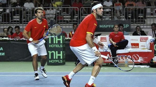 Rusia gana el partido de dobles y reduce a 2-1 la ventaja de España