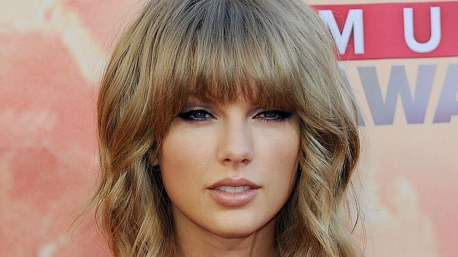 Taylor Swift se lanza como diseñadora