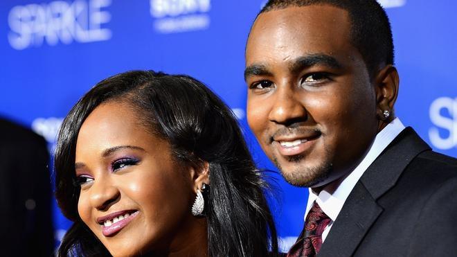 Acusan al novio de la hija de Whitney Houston de suministrarle un «coctel tóxico»