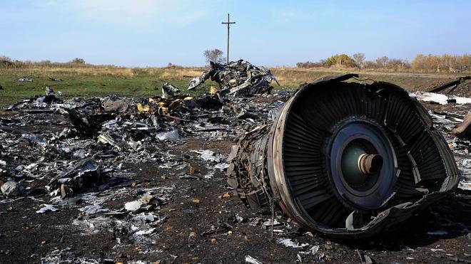 Los fragmentos hallados en el lugar donde cayó el vuelo MH17 podrían ser de un misil ruso