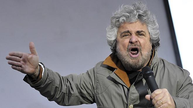 Condenado a un año de cárcel Beppe Grillo por insultar a un profesor universitario