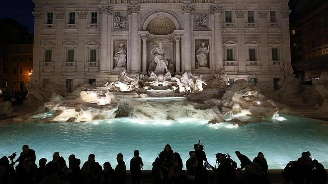 El agua vuelve a brotar en la Fontana de Trevi