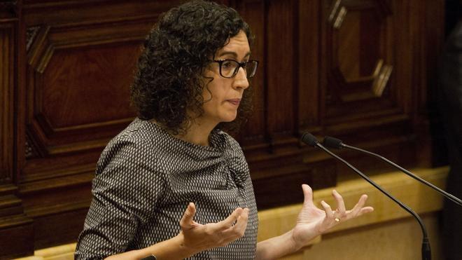 El Parlament pide un informe sobre la legalidad de las ponencias de las leyes independentistas