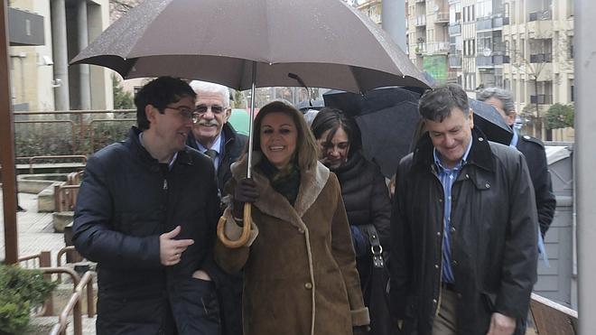 Cospedal: «Un pacto con Podemos y los independentistas es un error de la democracia»
