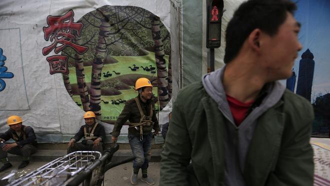 China sigue frenando su crecimiento
