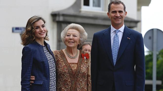 Los Reyes y la princesa Beatriz se adentran en el mundo onírico de El Bosco