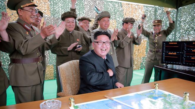 Corea del Norte instala ametralladoras de EE UU en sus barcos