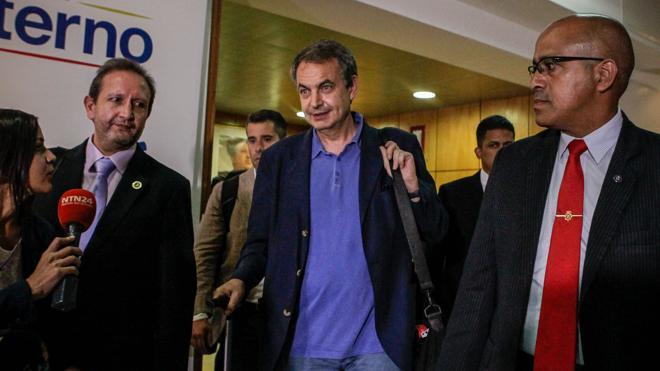 Zapatero se reúne en Caracas con representantes de la opositora MUD