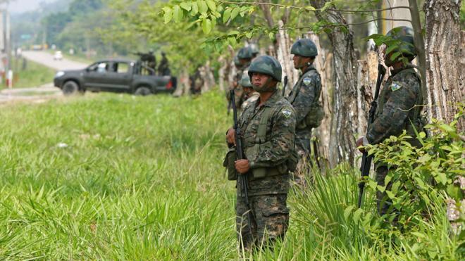Detienen a 12 militares en Guatemala por asesinar a golpes a un joven