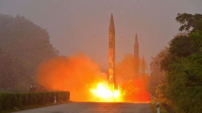 Corea del Sur da luz verde a un nuevo sistema de cohetes para contrarrestar a Pyongyang