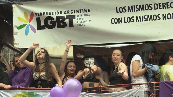 Un juez argentino autoriza a una mujer a casarse con la hija de su esposo fallecido