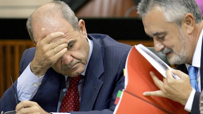 El Parlamento señala a Chaves y Griñán como responsables del presunto fraude de los cursos de formación