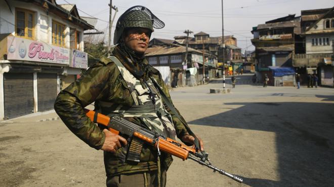 Una operación antiterrorista causa al menos siete muertos en la Cachemira india
